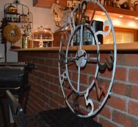 Vintage a provence nástěnné hodiny do dětského pokoje s motivy starých  volkswagenů zase oživí prostor vašim ratolestem. My jsme pro vás vybrali  stylové ... 6c253f00e9